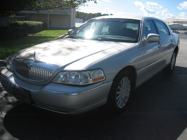 2005 Lincoln Town Car Signature Atlanta, Georgia 9