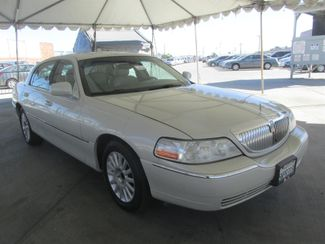2005 Lincoln Town Car Signature Limited Gardena, California 3