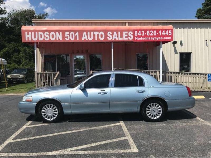 2005 Lincoln Town Car Signature | Myrtle Beach, South Carolina | Hudson Auto Sales in Myrtle Beach South Carolina