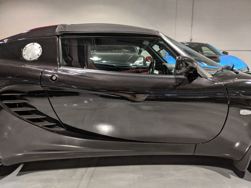 2005 Lotus Elise   Lake Forest IL  Executive Motor Carz  in Lake Forest, IL