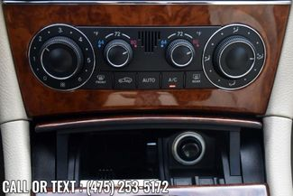 2005 Mercedes-Benz CLK320 3.2L Waterbury, Connecticut 24
