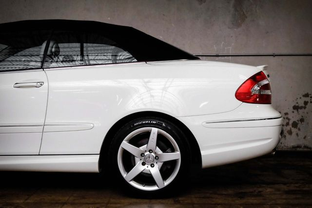 2005 Mercedes-Benz CLK500 5.0L in Addison, TX 75001