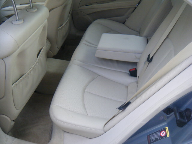 2005 Mercedes-Benz E320 3.2L CDI diesel Collierville, Tennessee 9