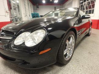 2005 Mercedes Sl500, Sharp, STRONG AND SMOOTH. 5.0L V-8, VERY FAST! Saint Louis Park, MN 27