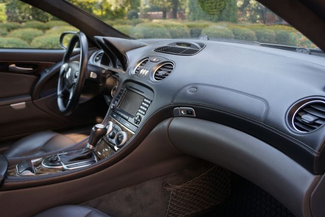 2005 Mercedes-Benz SL65 6.0L AMG Memphis, Tennessee 25