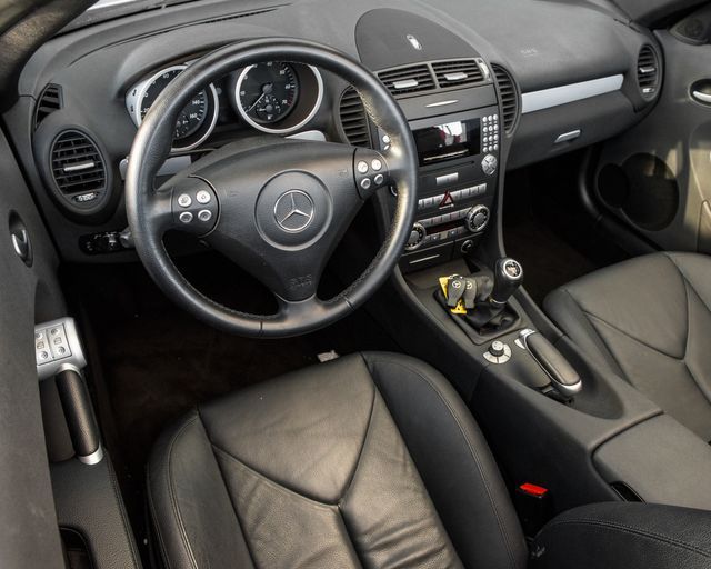 2005 Mercedes-Benz SLK350 6 SPEED Burbank, CA 12