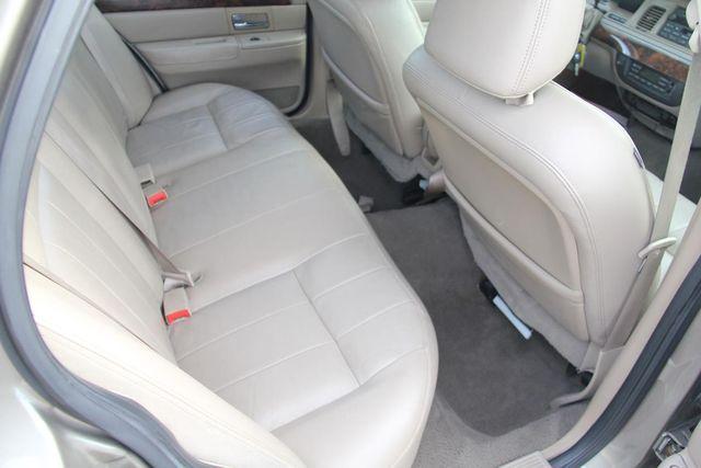 2005 Mercury Grand Marquis LS Ultimate Santa Clarita, CA 16