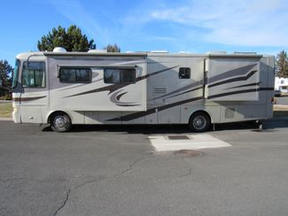 2005 Monaco Knight 38PDQ 4 SLIDES Bend, Oregon 1