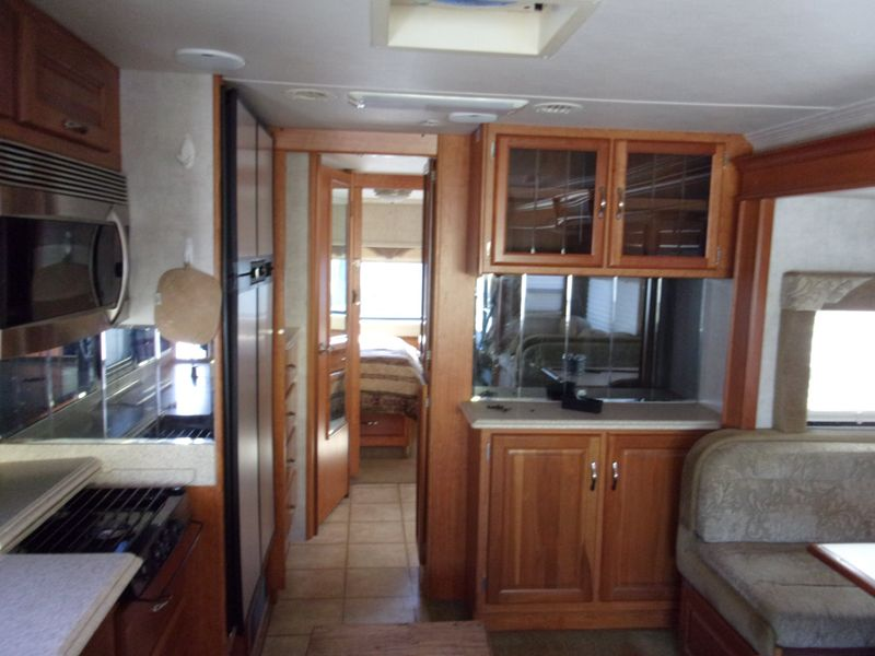 2005 National Dolphin   city FL  Manatee RV  in Palmetto, FL