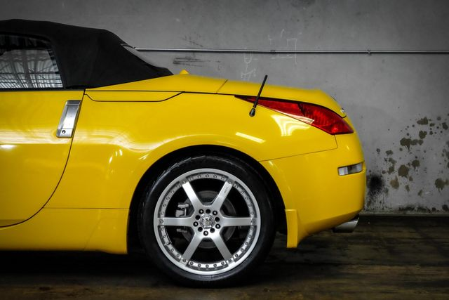 2005 Nissan 350Z Enthusiast *Rare Yellow Color* LOW MILES in Addison, TX 75001
