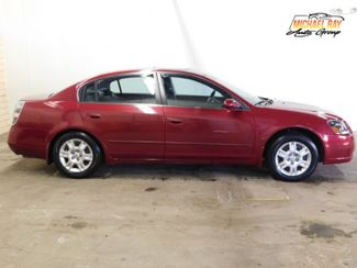 2005 Nissan Altima 2.5 S in Cleveland , OH 44111