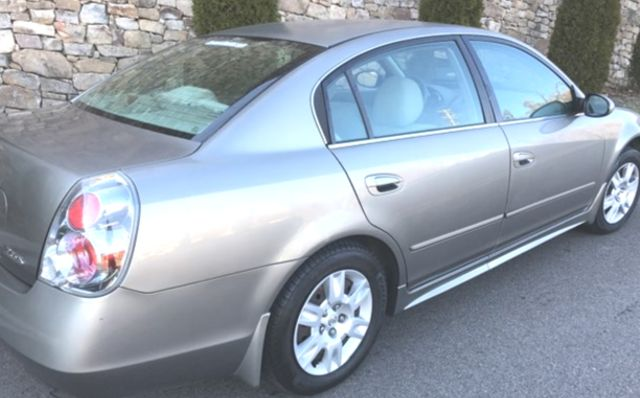 2005 Nissan Altima S Knoxville, Tennessee 4