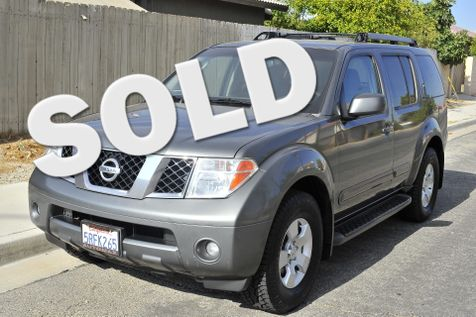 2005 Nissan Pathfinder SE in Cathedral City