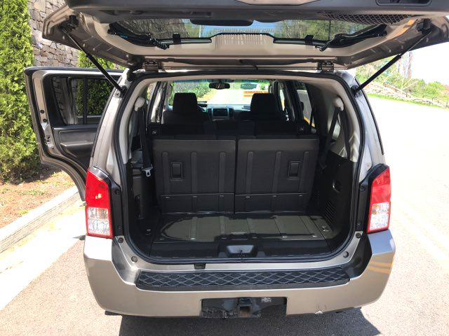 2005 Nissan Pathfinder SE Knoxville, Tennessee 12