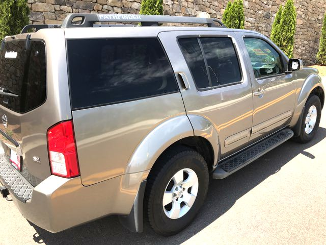 2005 Nissan Pathfinder SE Knoxville, Tennessee 5