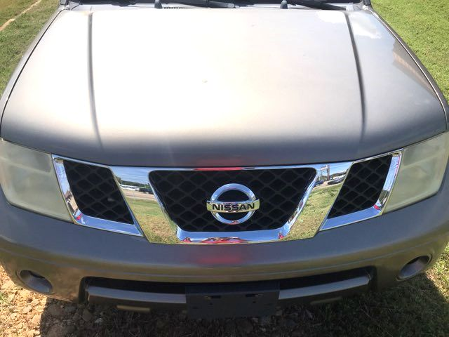 2005 Nissan Pathfinder SE Knoxville, Tennessee 1