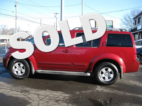 2005 Nissan Pathfinder SE in West Haven, CT