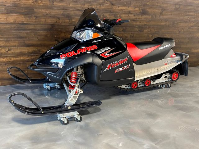2005 Polaris Fusion 900cc SNOWMOBILE W/ REVERSE ONLY 42 MILE LIKE NEW in Woodbury, New Jersey 08093