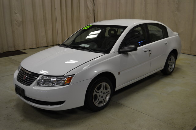 2005 Saturn Ion ION 2 in Roscoe IL, 61073