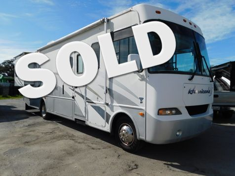 2005 Thor Hurrican 32R in Hudson, Florida