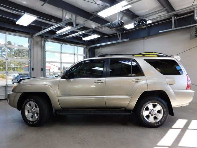 2005 Toyota 4Runner SR5 in Airport Motor Mile ( Metro Knoxville ), TN 37777