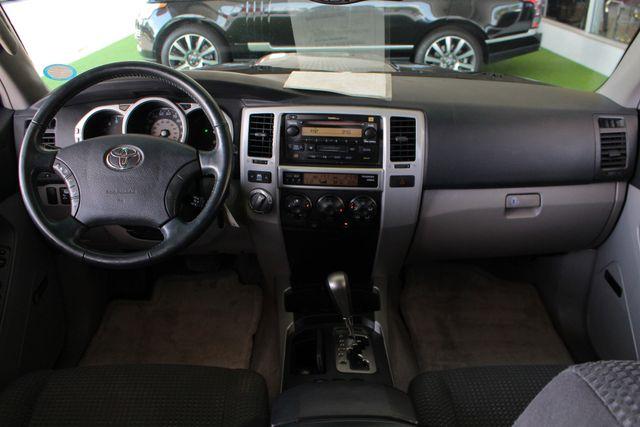 2005 Toyota 4Runner SR5 Sport 4WD- JBL SOUND - CARGO SYSTEM - 4.7L V8! Mooresville , NC 26