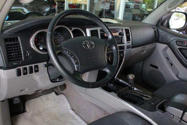2005 Toyota 4Runner SR5 Sport 4WD- JBL SOUND - CARGO SYSTEM - 4.7L V8! Mooresville , NC 28