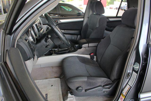 2005 Toyota 4Runner SR5 Sport 4WD- JBL SOUND - CARGO SYSTEM - 4.7L V8! Mooresville , NC 6