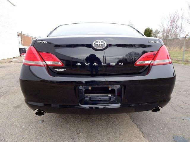 2005 Toyota Avalon Limited Madison, NC 3