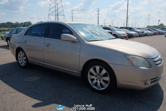 2005 Toyota Avalon XL in Memphis Tennessee, 38115