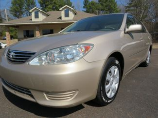 2005 Toyota Camry LE Batesville, Mississippi 9