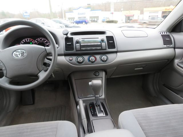 2005 Toyota Camry LE Batesville, Mississippi 22