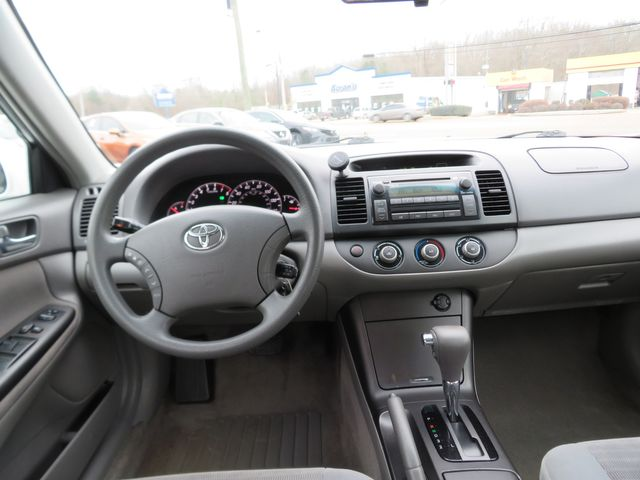 2005 Toyota Camry LE Batesville, Mississippi 21