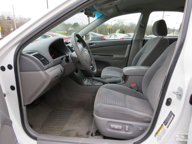 2005 Toyota Camry LE Batesville, Mississippi 19