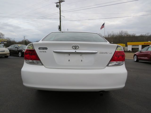 2005 Toyota Camry LE Batesville, Mississippi 11