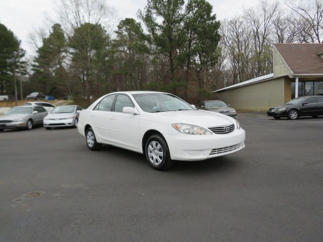 2005 Toyota Camry LE Batesville, Mississippi 1