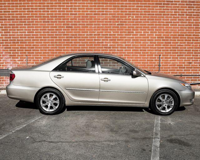 2005 Toyota Camry XLE Burbank, CA 4
