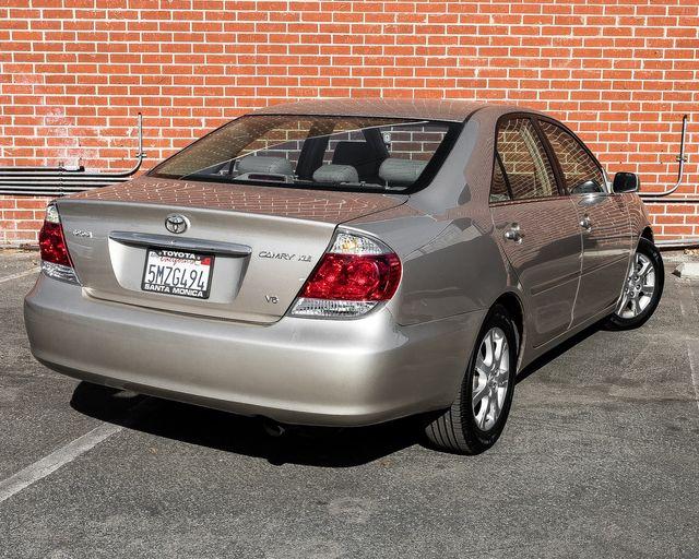2005 Toyota Camry XLE Burbank, CA 8