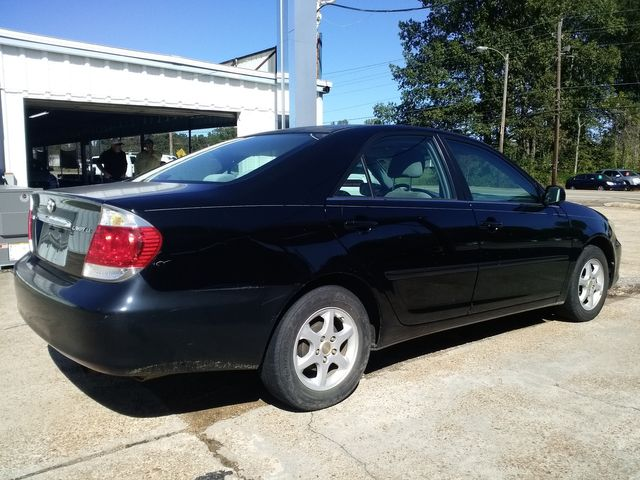 2005 Toyota Camry LE Houston, Mississippi 4