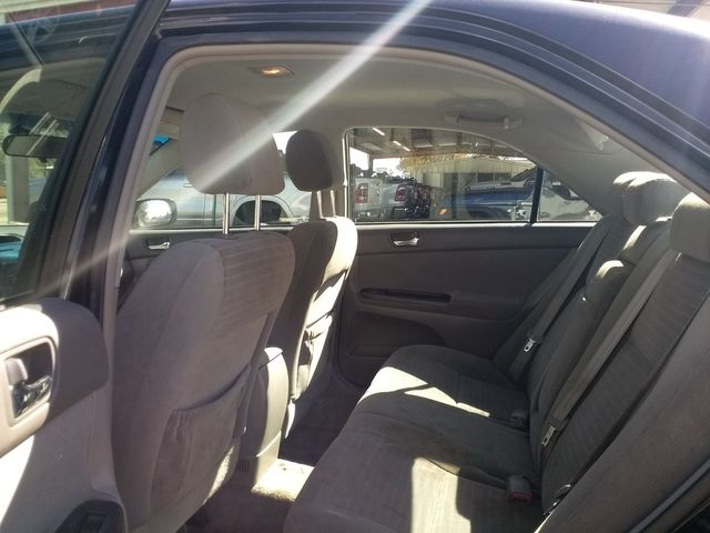2005 Toyota Camry LE Houston, Mississippi 10