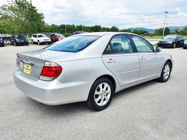 2005 Toyota Camry XLE w/Leather/Sunroof in Louisville, TN 37777