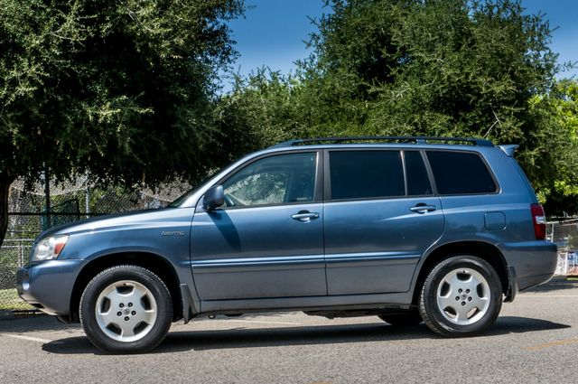 2005 Toyota Highlander Limited in Reseda, CA, CA 91335