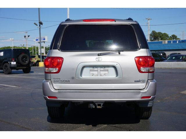 2005 Toyota Sequoia SR5 in Memphis, Tennessee 38115