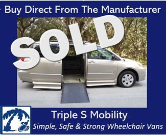 2005 Toyota Sienna Le Wheelchair Van Handicap Ramp Van Pinellas Park, Florida 0