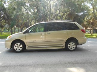 2005 Toyota Sienna Le Wheelchair Van Handicap Ramp Van Pinellas Park, Florida 1