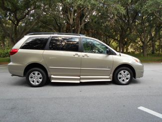 2005 Toyota Sienna Le Wheelchair Van Handicap Ramp Van Pinellas Park, Florida 2
