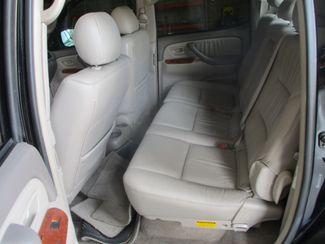 2005 Toyota Tundra Ltd Farmington, MN 4