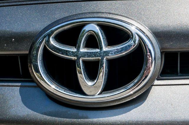 2005 Toyota Tundra Ltd 4WD - CAMPER - TOW PKG Reseda, CA 47