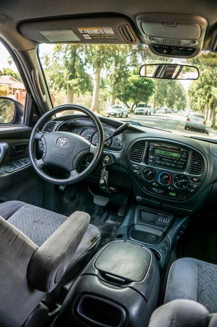 2005 Toyota Tundra Ltd 4WD - CAMPER - TOW PKG Reseda, CA 34
