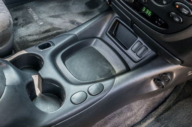 2005 Toyota Tundra Ltd 4WD - CAMPER - TOW PKG Reseda, CA 27